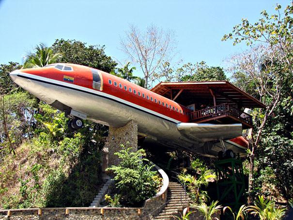 Отель-самолет в Коста-Рике из Boeing 727 | фото
