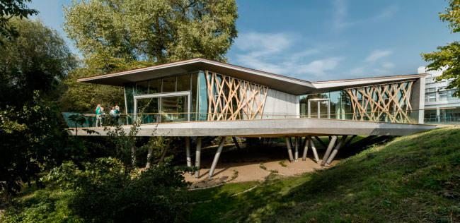 Онкологический Центр Мэгги на территории больницы Чёрчилл в Оксфорде
