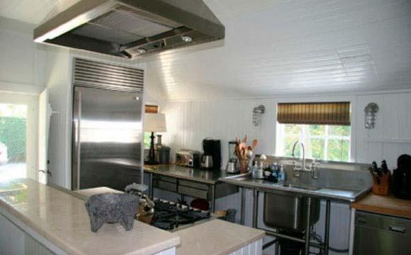 Дизайн кухни в старом доме Рене Зельвегер