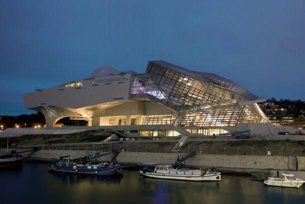В Лионе построили музей по проекту Coop Himmelb (L) AU