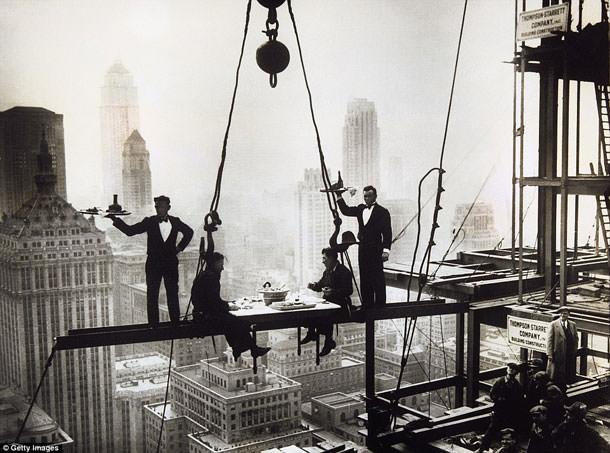 Как развлекались рабочие на высотках Нью-Йорка в начале XX века