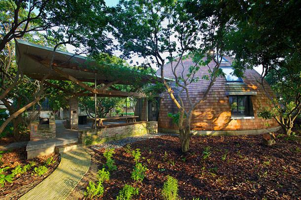Купольные дома из вторсырья Тимоти Олтона | фото, проект