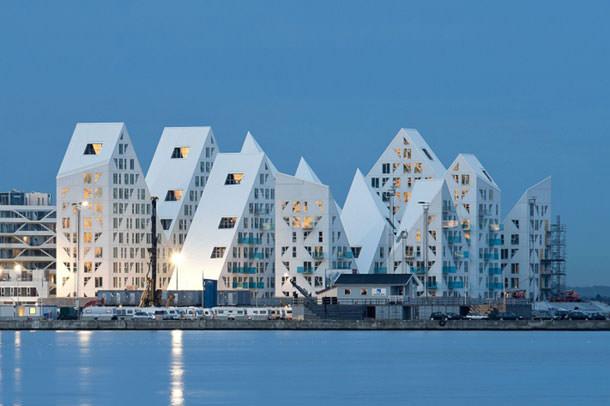 ЖК «Айбсерг» на набережной города Орхус претендует на премию