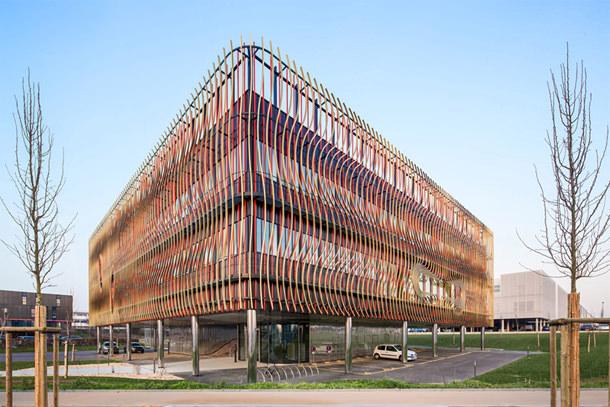 Бизнес-инкубатор по проекту Périphériques Architects во Франции