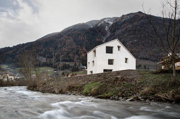 Дом в итальянских Альпах от Pedevilla Architects | фото