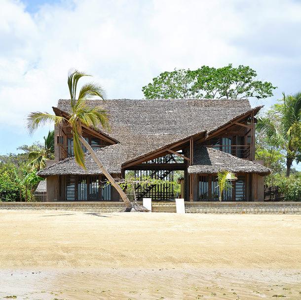 Пляжный дом на Мадагаскаре от SCEG Architects | фото, проект