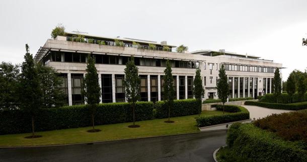 Дом Клиффа Ричарда в Британи продается | фото, цена, обзор
