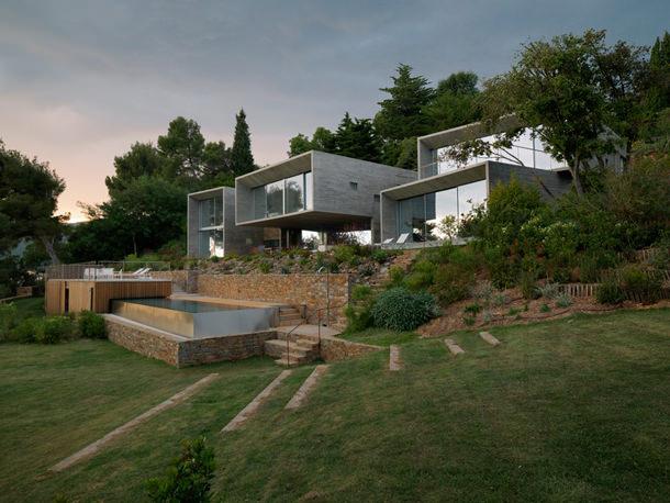 Дом на юге Франции с бассейном от Паскаля Грассо | фото