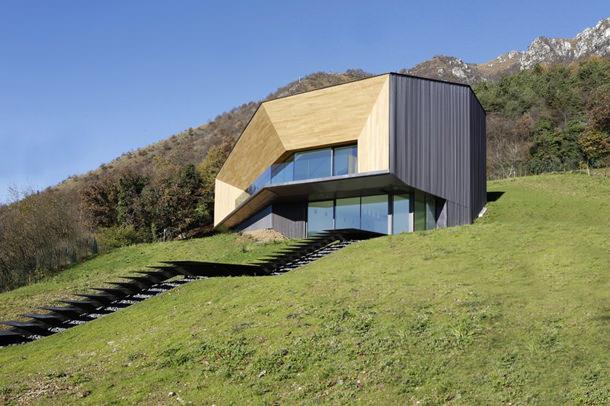 Особняк на холме в итальянских Альпах | фото и проект