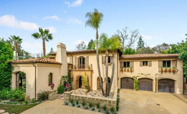 Майли Сайрус продала дом в Лос-Анджелесе | цена, инфо