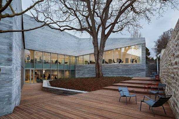 Библиотека в Париже по проекту Pascale Guédot Architecte