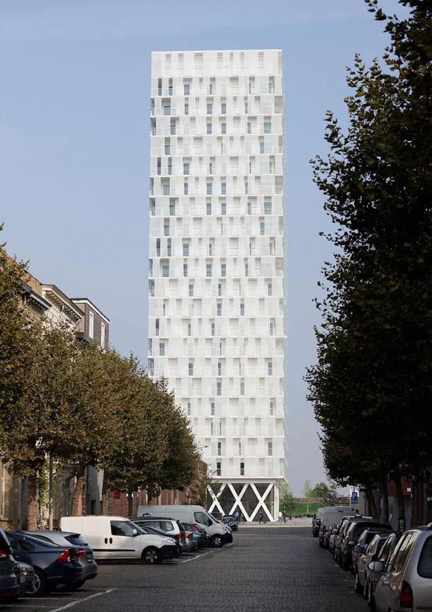 Башня Park Tower в Антверпене с ритмичным фасадом | фото