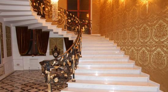 Мрамор в интерьере дома: показатель статуса и роскоши