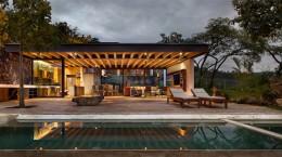 Tucán House