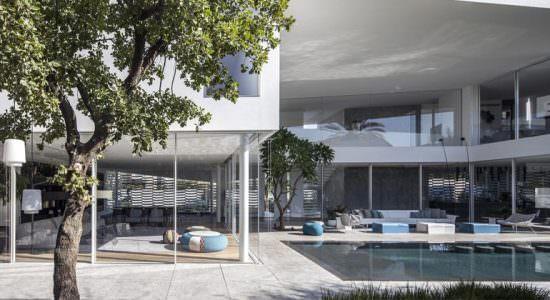 Просторный дом в стиле Hi-Tech в Израиле