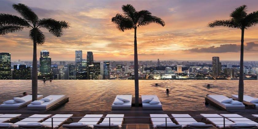 Панорамный бассейн Marina Bay Sands в Сингапуре