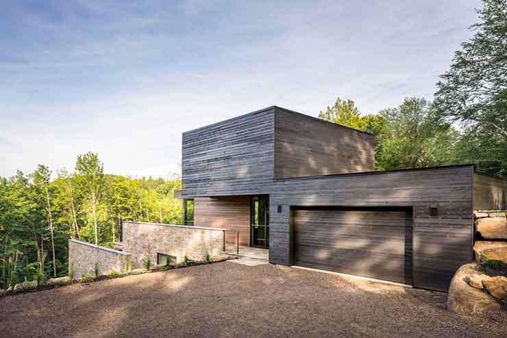 Гараж в загородном доме от MU Architecture. Провинция Квебек