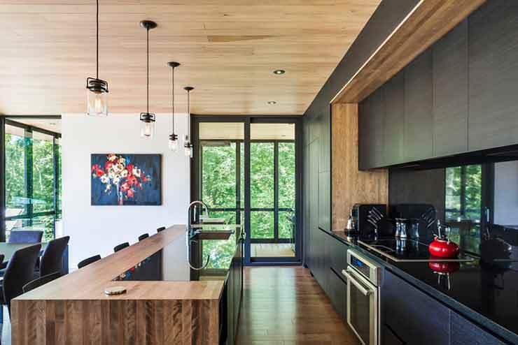 Интерьер кухни столовой. Дизайн MU Architecture