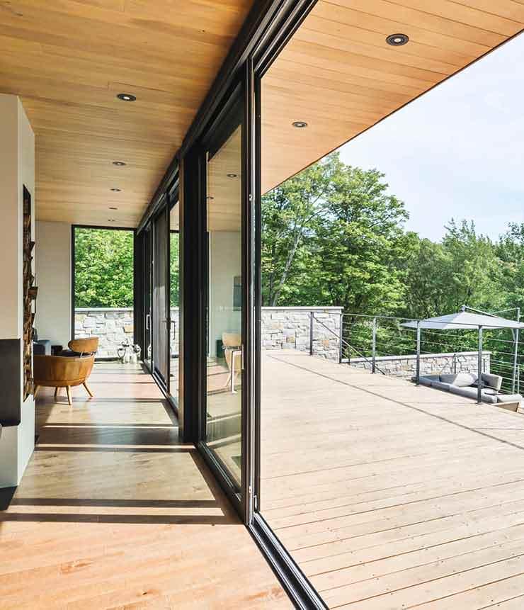 Панорамное остекление загородного дома от MU Architecture