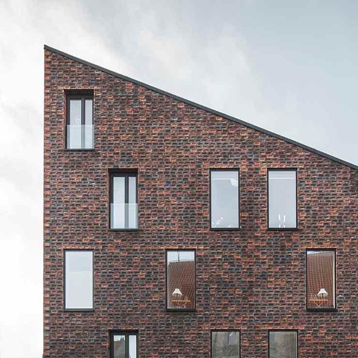 Кирпичный многоквартирный дом в Копенгагене