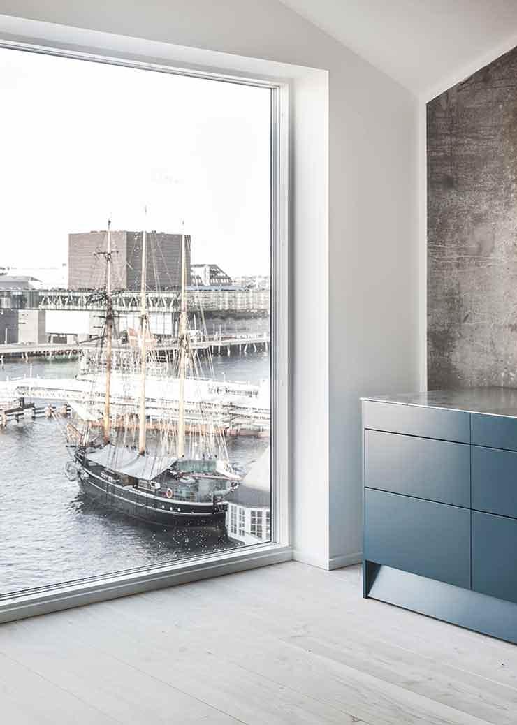 Квартира с видом на воду
