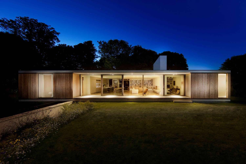 Проект дома со стеклянной стеной