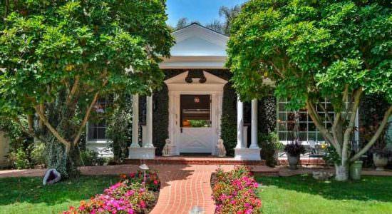 Голди Хоун и Курт Рассел продали дом в Лос-Анджелесе | цена