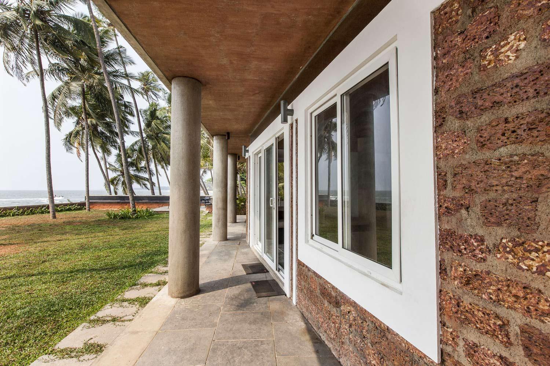 Дом у моря с колоннами. Проект PLAYGROUP Studio