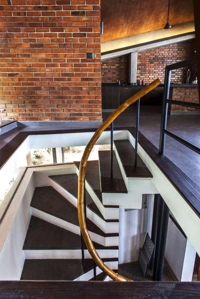 Винтовая лестница. Дизайн PLAYGROUP Studio