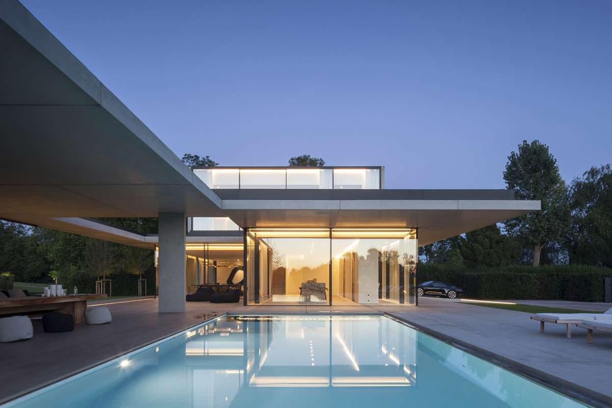 Проект элитного дома с бассейном