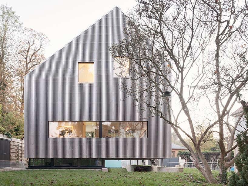 Асимметричный дом под Парижем