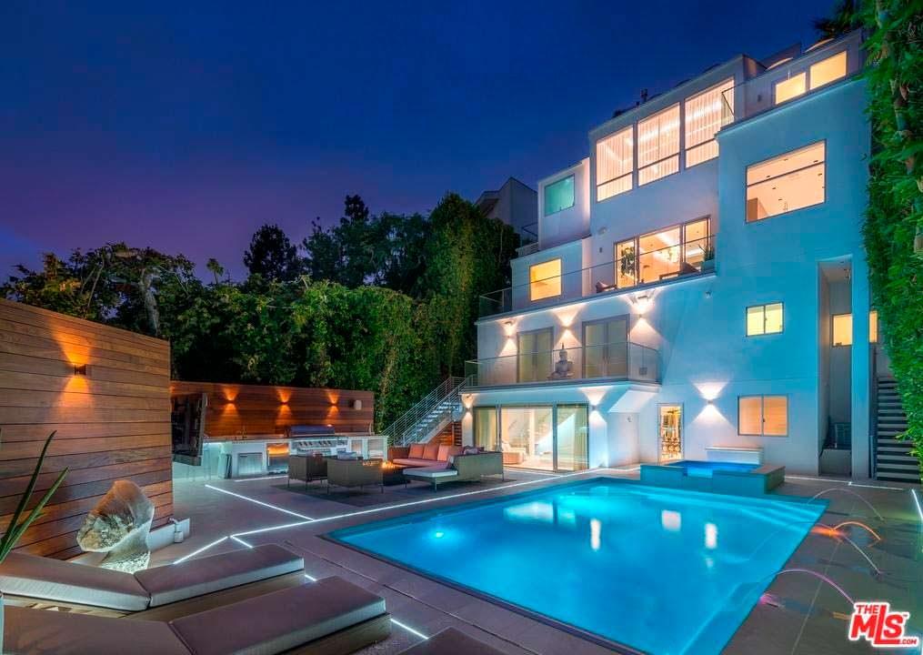 Четырехэтажный дом Мелани Браун из Spice Girls в Голливуде