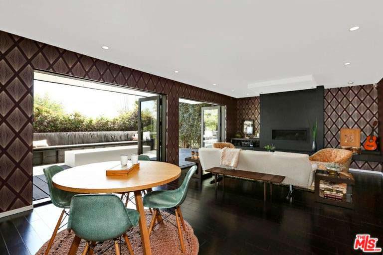 Дизайн гостиной с террасой