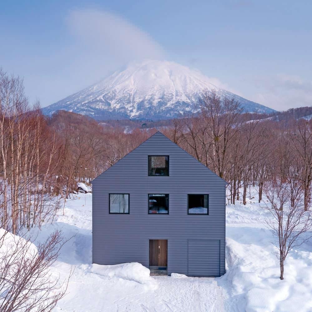 Дом с видом на вулкан Йотей в Японии
