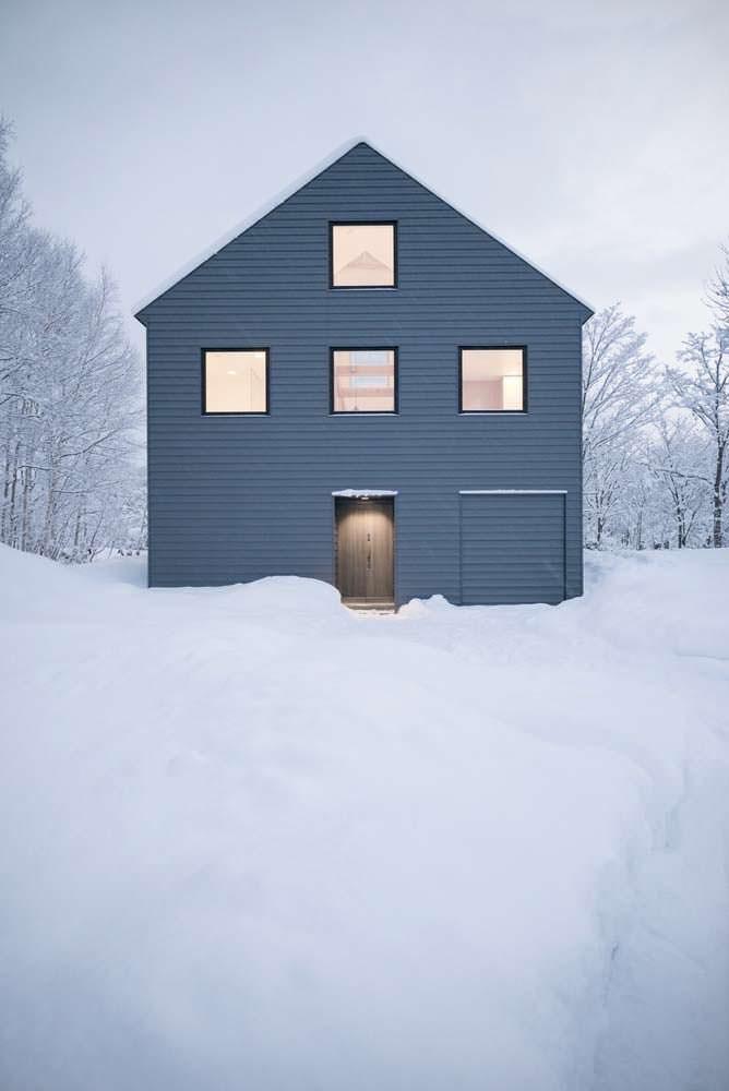 Минималистический дом в горах Японии