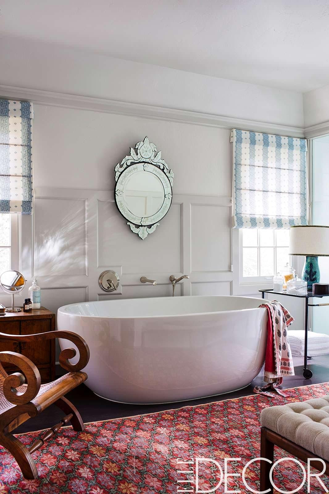 Венецианское зеркало в ванной