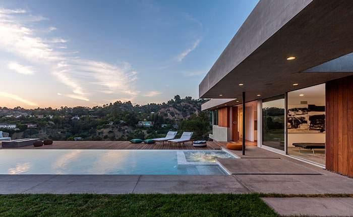 Фото | Пейзажный бассейн в доме от SPACE International