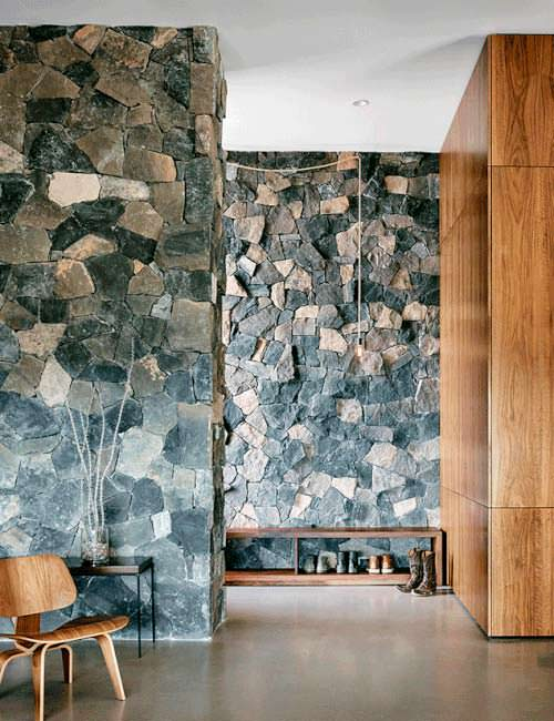 Фото | Каменный дизайн комнаты в доме от Hazelbaker Rush