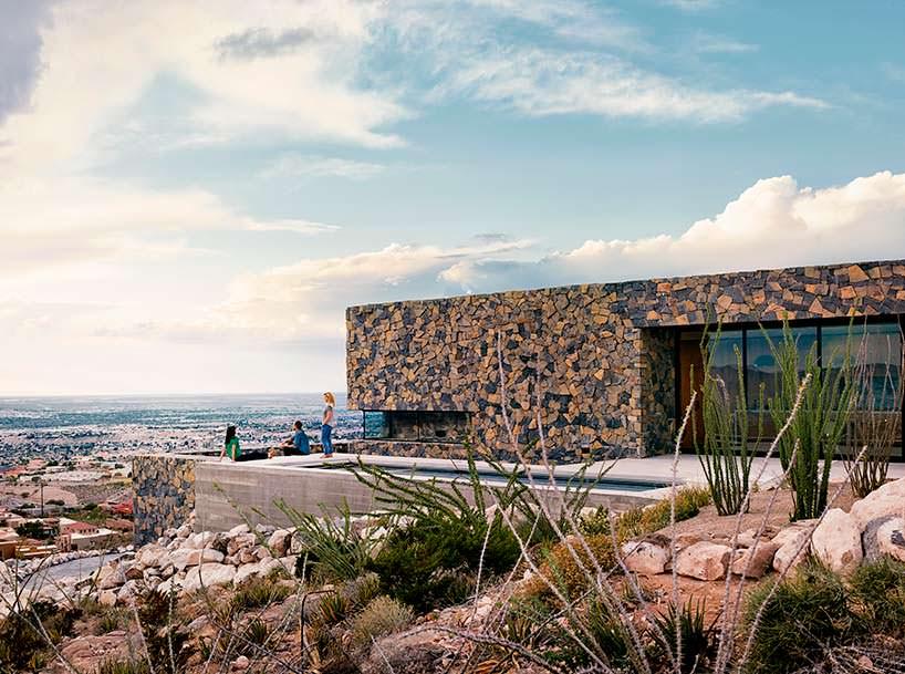 Горный дом для семьи над городом Эль-Пасо от Hazelbaker Rush