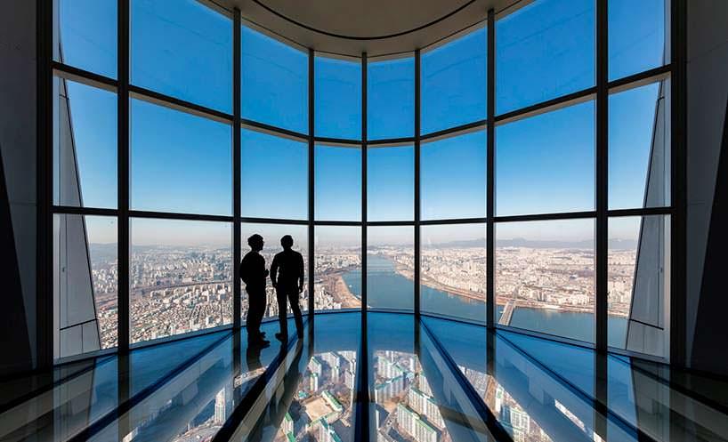 Смотровая площадка со стеклянным полом башни Lotte World Tower