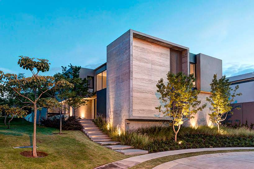 Фото | Трехэтажный дом. Проект Elias Rizo Arquitectos