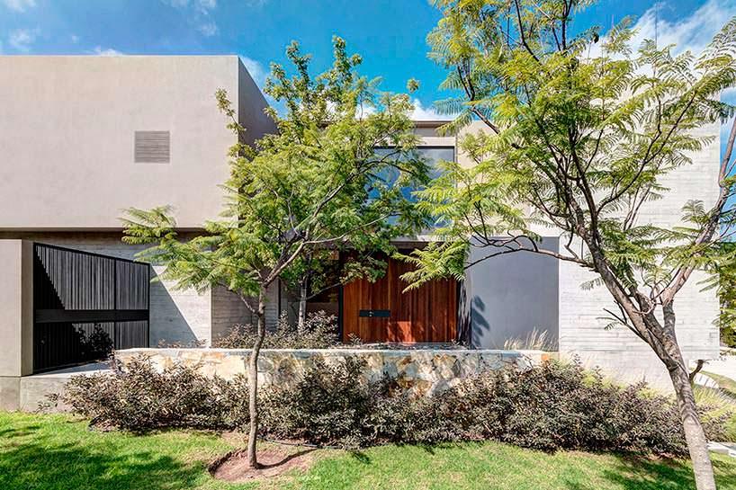 Фото | Новый трехэтажный дом. Дизайн Elias Rizo Arquitectos