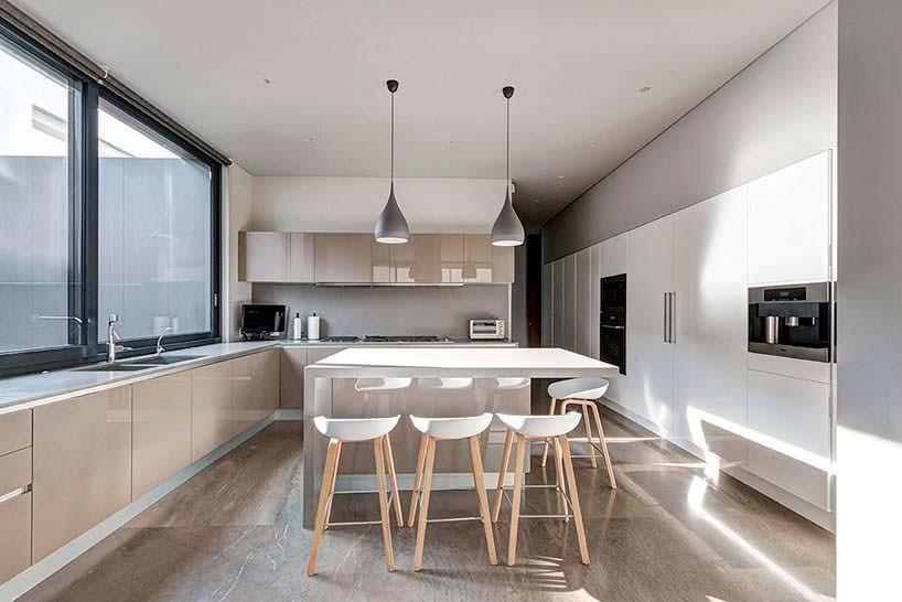 Фото | Кухня в стиле хай-тек. Дизайн Elias Rizo Arquitectos