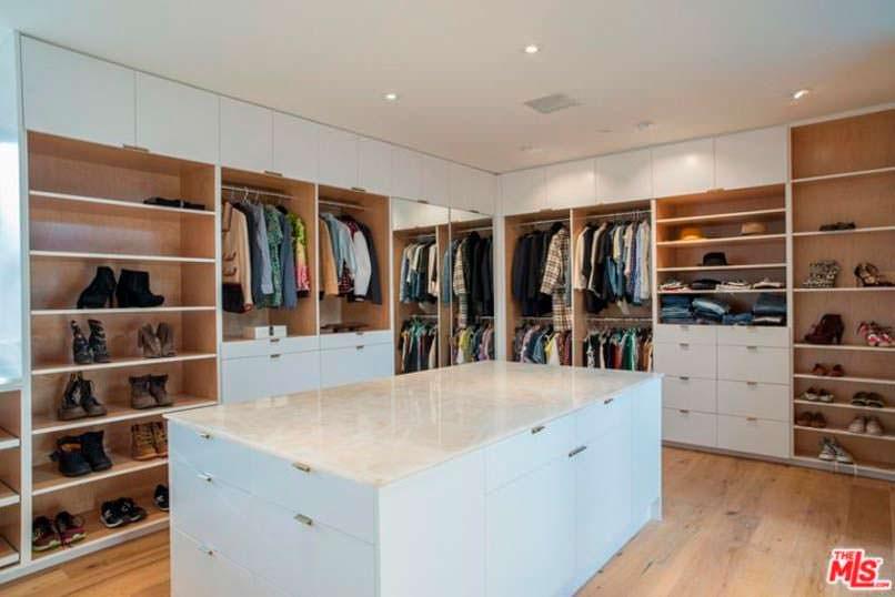 Дизайн гардероба с островом Дианы Крюгер