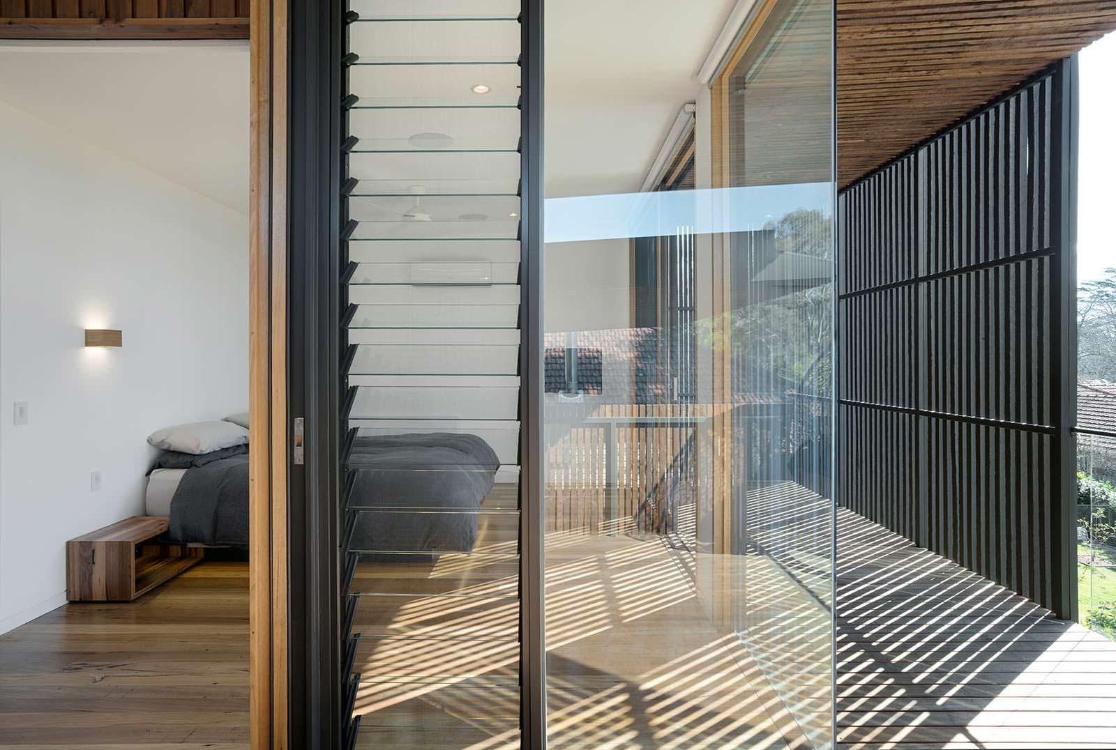 Спальня за стеклянной стеной. Проект Zen Architects