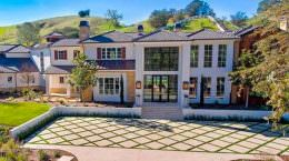 Музыкант The Weeknd купил дом в Хидден-Хилс | фото и цена