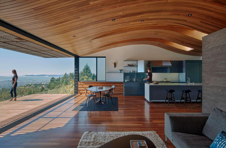 Кухня-гостиная с панорамной террасой и видом на океан