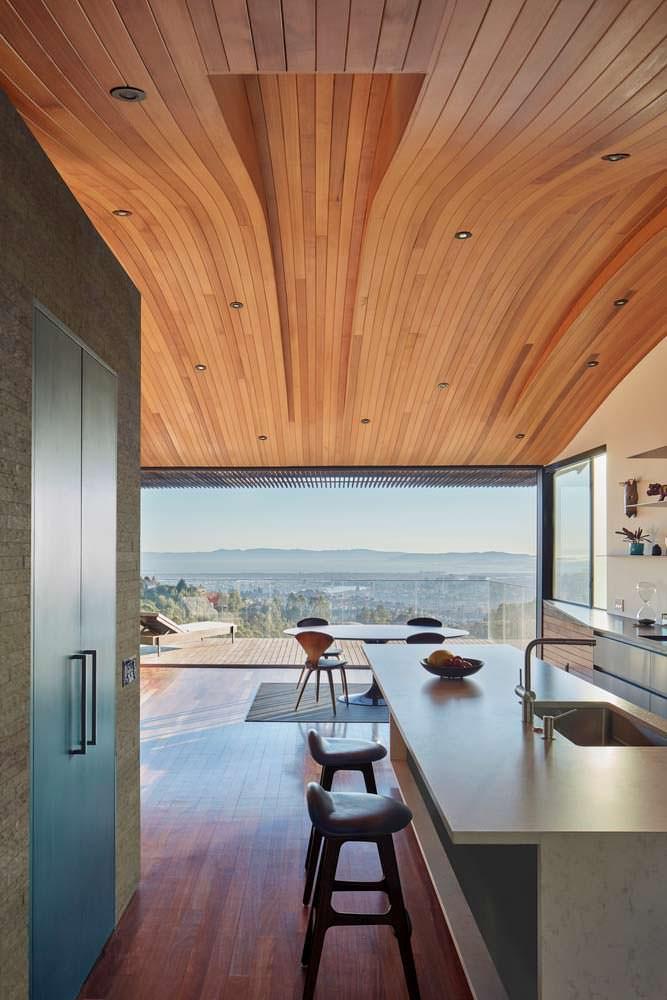 Вид на Окленд с кухни. Проект Terry & Terry Architecture