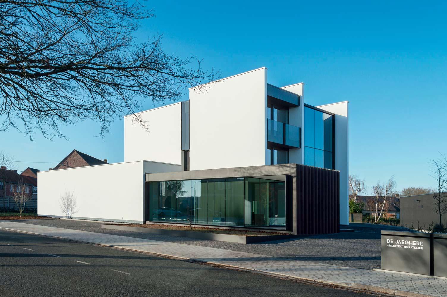 Штаб-квартира бюро DE JAEGHERE Architectuuratelier в Бельгии
