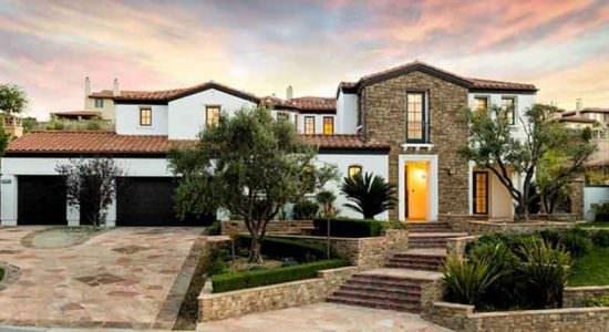 Кайли Дженнер нашла покупателя на дом в Калифорнии | фото, цена